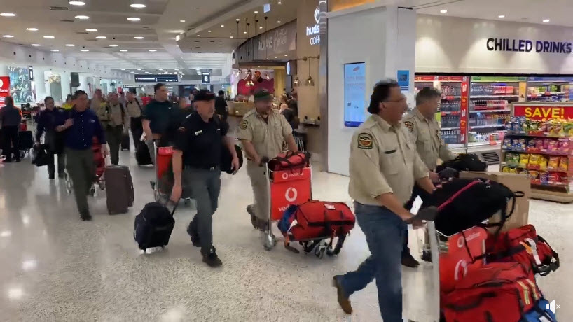 Canadian firefighters arrive in Sydney